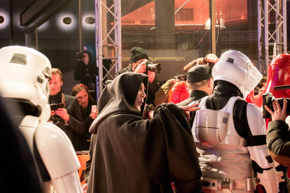Der Imperator - Star Wars: Das Erwachen der Macht Premiere Berlin