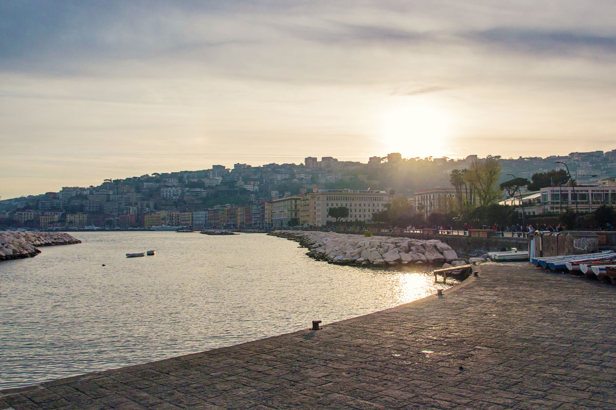 Neapel Promenade - Helligkeitskontrast