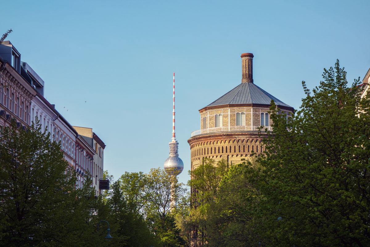 Berliner Fernsehturm & Wasserturm im Kollwitzkiez